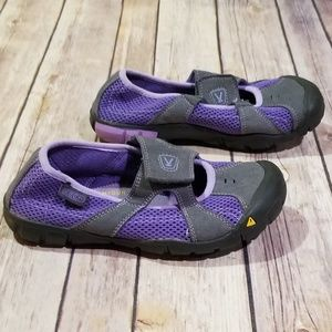 Kids Keen Purple Velcro Closure Shoe sz 1